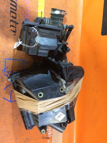 Корпус воздушного фильтра на Nissan Wingroad WFY11 QG15DE