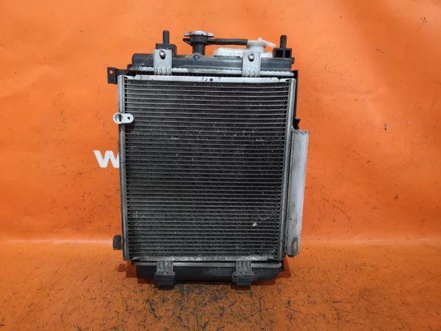 Радиатор двигателя на Daihatsu Move L175S KF-VE