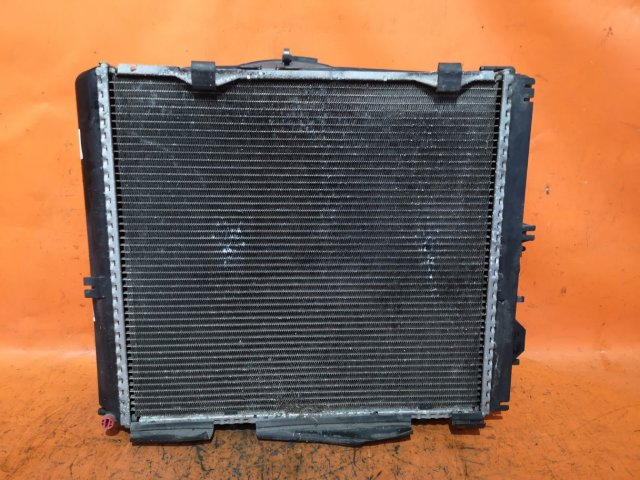 Радиатор двигателя на Mercedes Benz E-CLASS W124290 103985