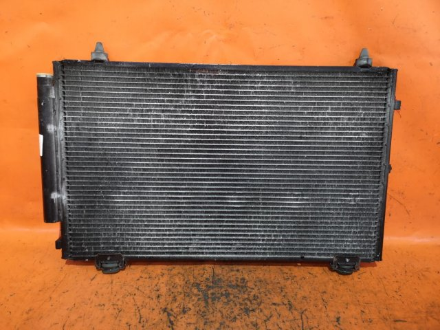 Радиатор кондиционера на Toyota Corolla NZE121 1NZ-FE
