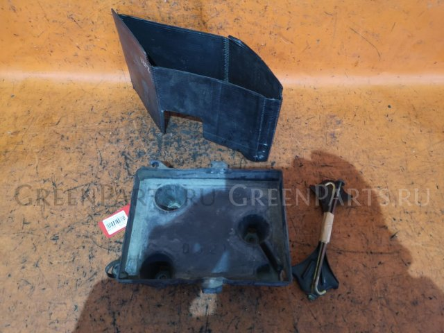 Крепление аккумулятора на Mazda Demio DY3W