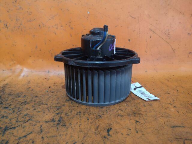 Мотор печки на Toyota Opa ACT10, ZCT10, ZCT15