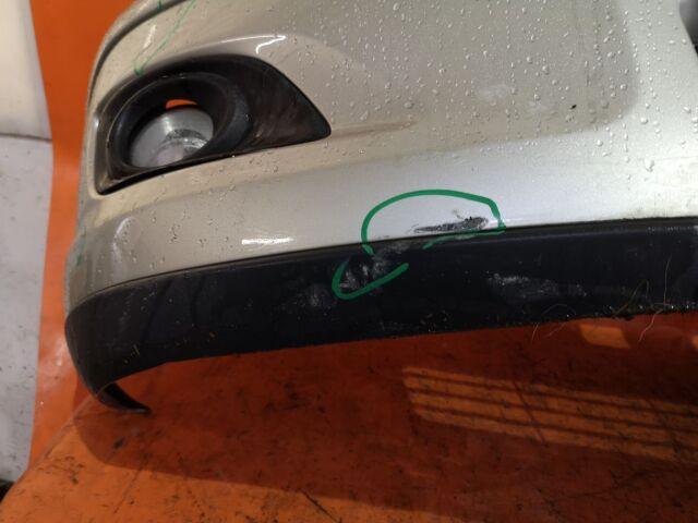 Бампер на Toyota Avensis AZT250 04709
