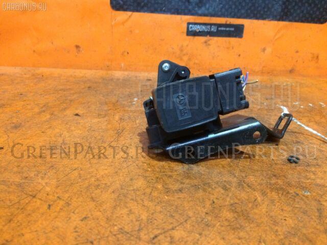Датчик дроссельной заслонки на Mercedes-benz SLK-CLASS R170.435
