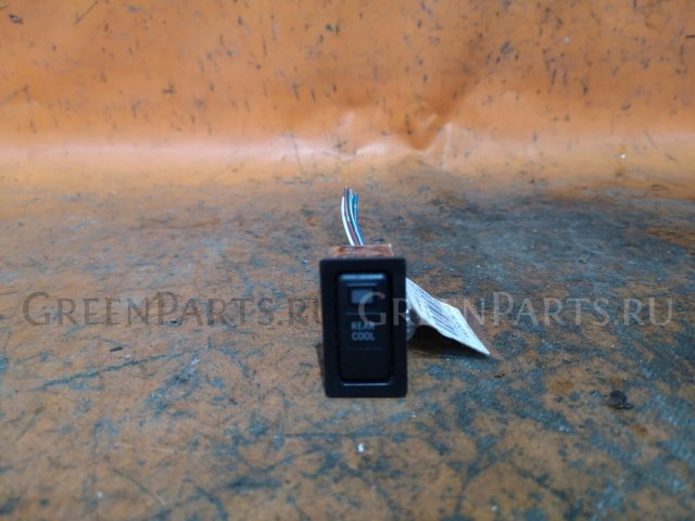 Кнопка на Toyota Ipsum SXM10G