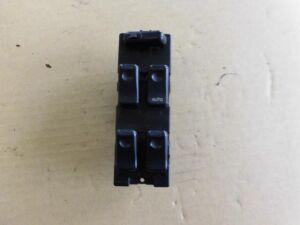 Блок упр-я стеклоподъемниками на Mazda Demio DW3W B3-ME