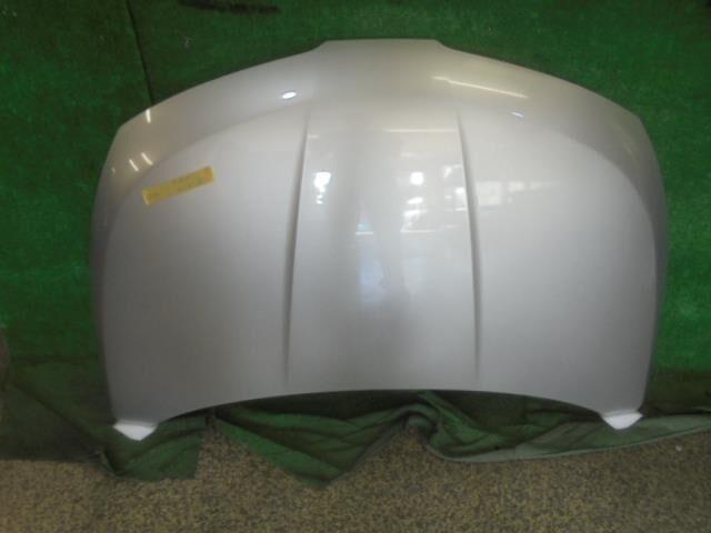 Капот на Nissan Tiida C11 HR15DE