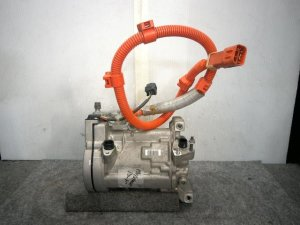 Компрессор кондиционера на Honda Accord CR6 LFA-111