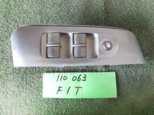 Блок упр-я стеклоподъемниками на Honda Fit GD1 L13A-512