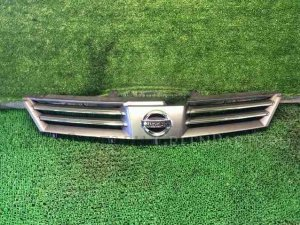 Решетка радиатора на Nissan Wingroad WFY11