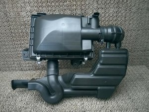 Корпус воздушного фильтра на Suzuki Spacia MK42S R06A