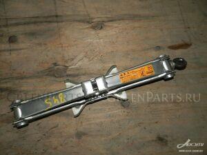 Домкрат на Nissan Cima HF50, GF50 VQ30DE, VK45