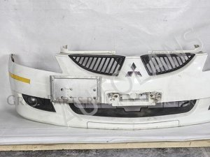 Бампер на Mitsubishi Lancer Cedia