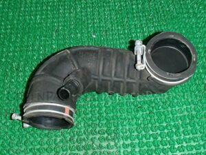 Патрубок воздушн.фильтра на Toyota Raum NCZ25 1NZ-FE