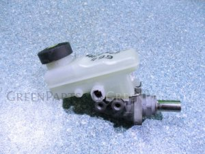 Главный тормозной цилиндр на Toyota Funcargo NCP21 1NZ-FE