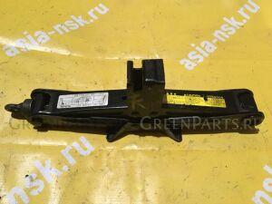 Домкрат на Toyota Estima ACR50/AHR20 09111-28130