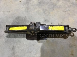 Домкрат на Toyota Ipsum ACM21 09111-44030