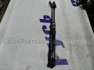 Амортизатор задней двери на Toyota Isis ANM10