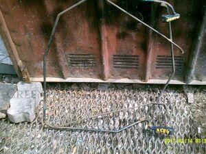 Крепление запаски на Toyota Voxy AZR60