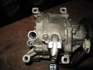 Насос кондиционера на Toyota Ist TOYOTA IST NCP60, NCP61, NCP65 (02-07г) 1NZ-FE