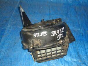 Корпус моторчика печки на Nissan Atlas SR4F23 QD32