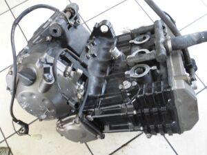 Двигатель zr750 zr750je