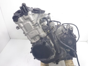 Двигатель gsx-r750 r737
