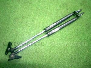 Амортизатор двери на Honda Fit GD1 L13A-222