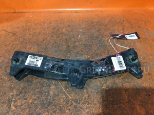 Крепление бампера на Toyota Premio ZZT240