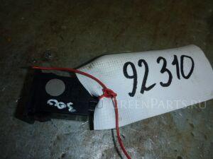 Кнопка на Toyota Avensis