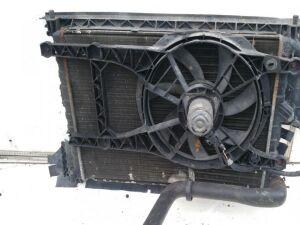 Радиатор на Renault Laguna