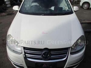Капот на Volkswagen Golf WVWZZZ1KZ8M254044 BLG