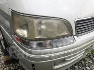Фара на Toyota Hiace KZH106 1KZTE